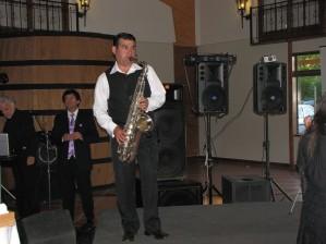 show de saxofon en vivo.
