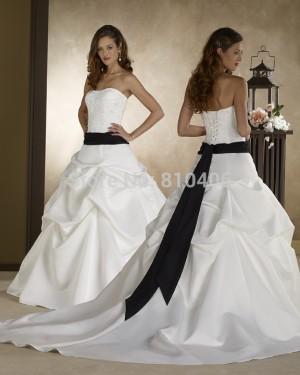 vestido de novia con cinta negra, ajustado con corset, talla 42