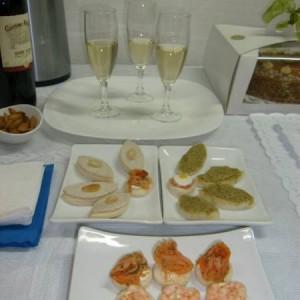 brochetas de fruta cebiches empanaditas minichurrascos todo evento