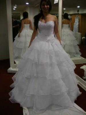se arrienda hermoso vestido de novia