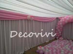 arriendo de cortinajes y manteleria, decoración de eventos floral