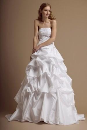 vestido de novia, color marfil en excelente condiciones