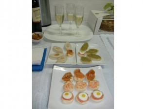 brochetas canapes empanaditas tapaditos cebiches todo eventos