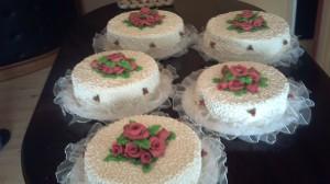 tortas caseras, tortas de novios  forradas  gran variedad